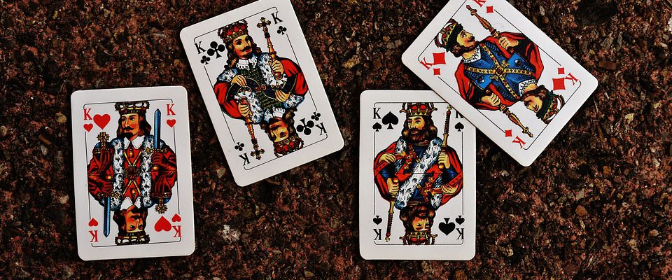 tirage de carte la dame de trefle 32 Signification des 32 cartes expliquées : Comment les interpreter ?